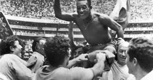 Was Pele paid to tie his shoes during the 1970 World Cup final ...