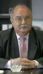 El Consejo del Puerto aprobó ayer el cese de su director, Miguel Villalobos, que volverá a ocupar un cargo en la Autoridad Portuaria de Gijón. - 2012-03-07_IMG_2012-02-29_01.13.09__8044635
