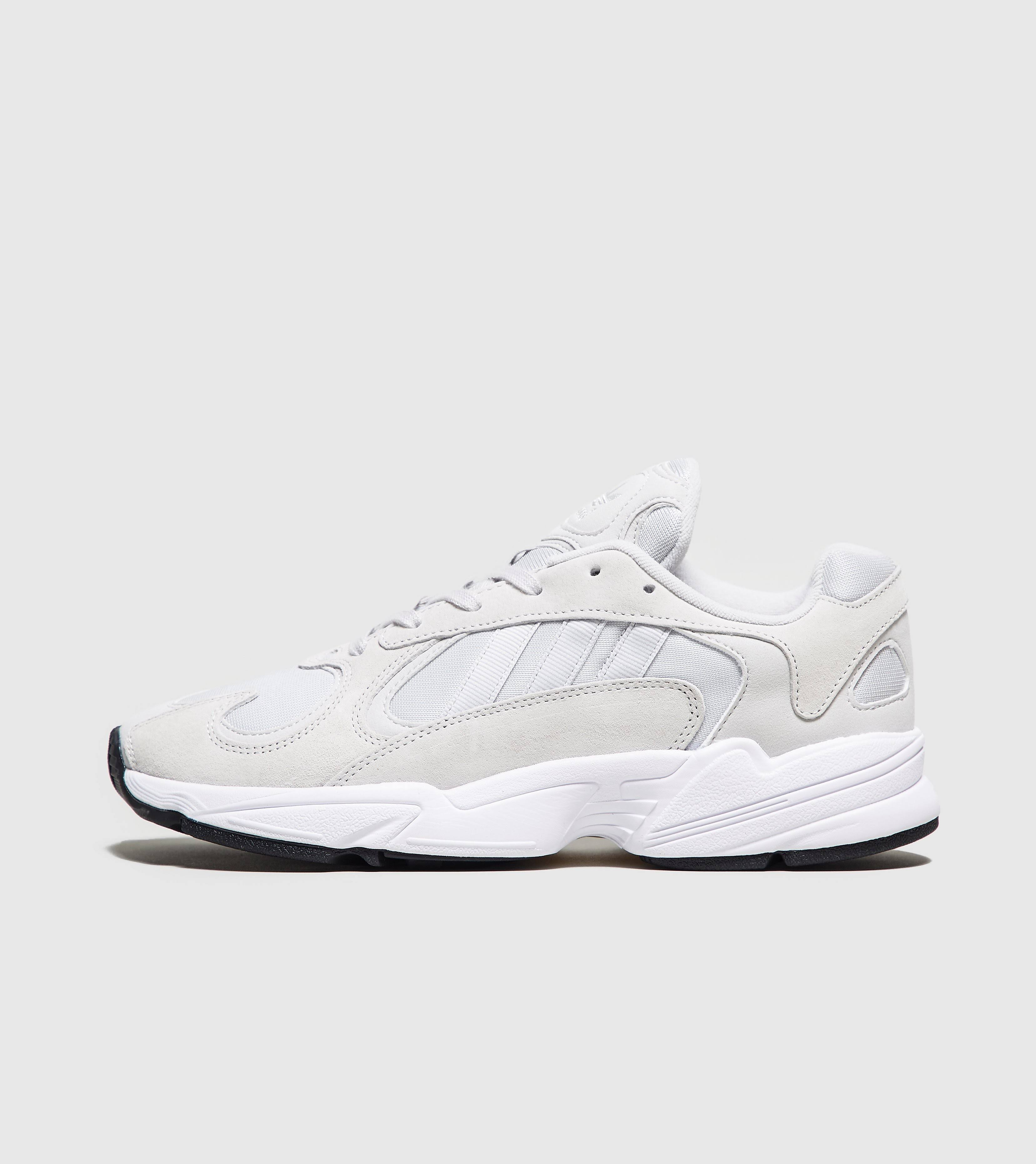 Adidas - YUNG-1, White / UK 11.5