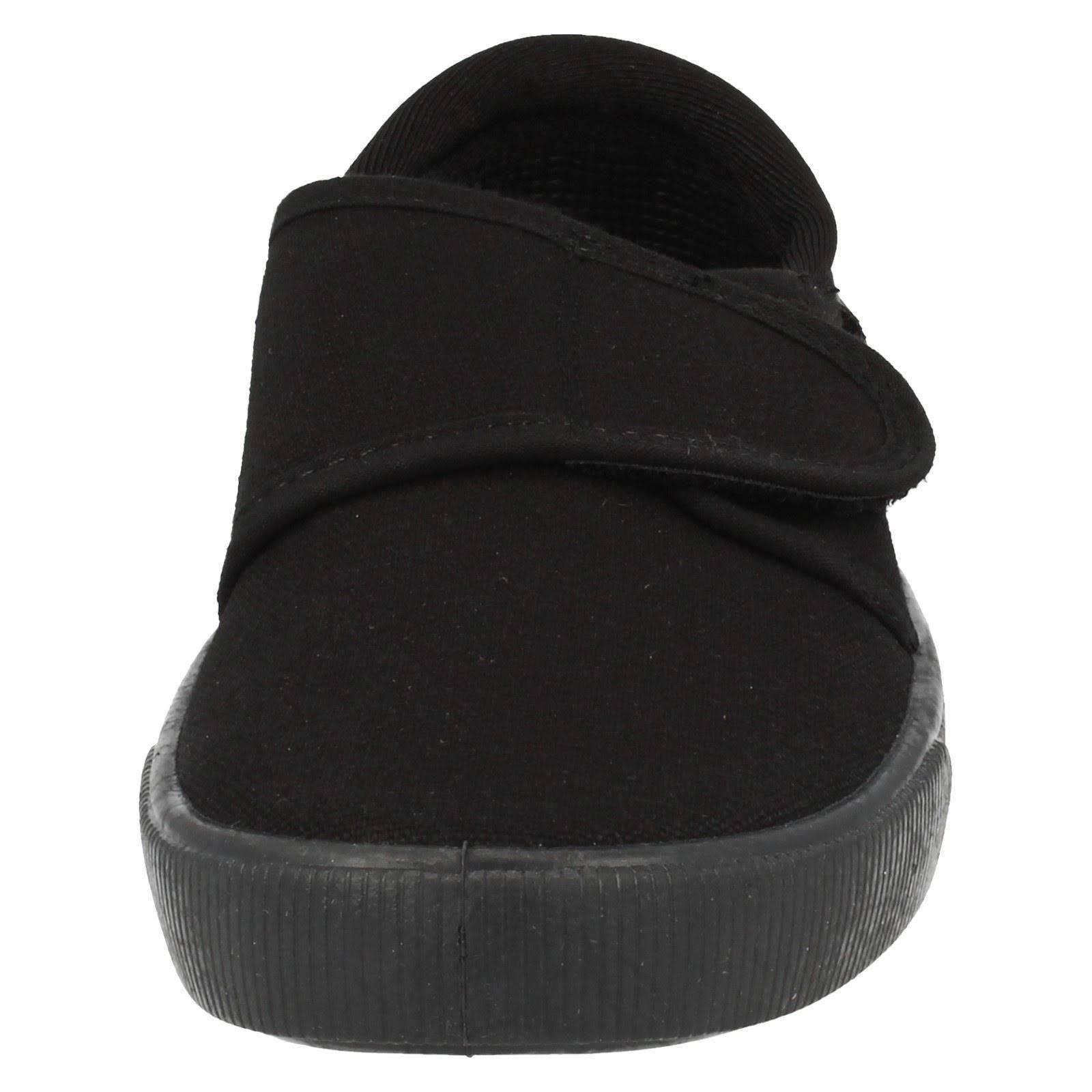 Clarks Hopper Run Plimsolls in Black Textile.  0LBuyY