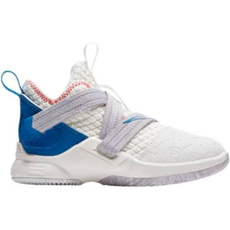 White Niños 5c Nike Cumbre Soldier 12 10 Para Calzado Summit Lebron Pequeños blanco wT7TxX4